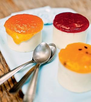 Cheesecake com geleia (Foto: Ricardo Corrêa/Casa e Comida)