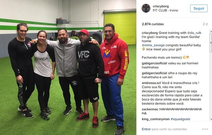 Gabi Garcia Cris Cyborg (Foto: Reprodução / Instagram)