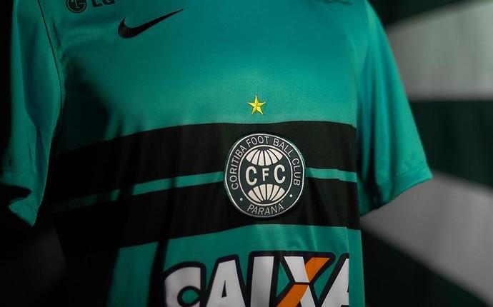 Coritiba lança camisa com polêmica de cor: azul ou verde? (Foto: Divulgação/ Coritiba)