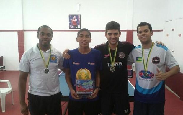 Danylo leva o título da Copa Rei do Tênis de Mesa (Foto: Divulgação)