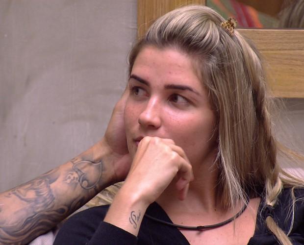 Fernando faz carinho no rosto de Aline (Foto: Gshow / BBB)