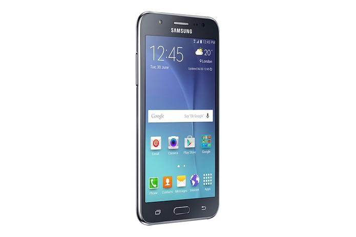 Galaxy J5 é mais caro do que o Vibe K5 (Foto: Divulgação/Samsung)