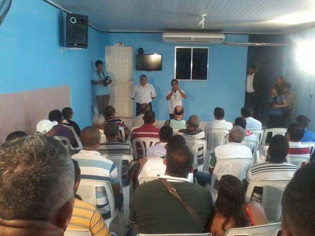Em assembleia, rodoviários aceitaram proposta de retorno às atividades (Foto: João Ricardo/G1)
