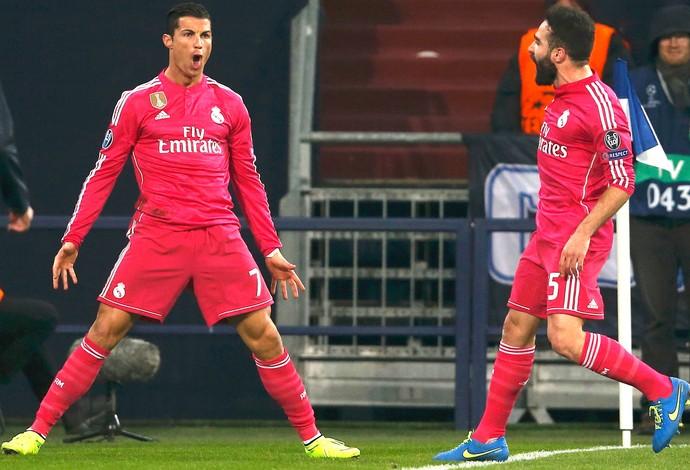 Cristiano Ronaldo comemora gol do Real Madrid contra o Schalke (Foto: Agência Reutes)