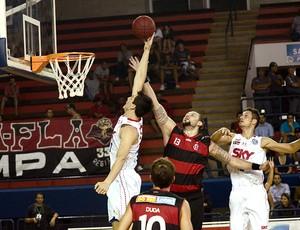 basquete Pinheiros e Flamengo NBB (Foto: Ícaro Limaverde / Divulgação)