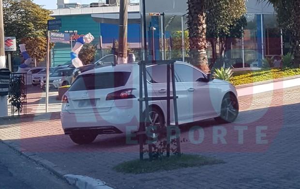 Peugeot 308 europeu (infelizmente) não virá para o Brasil (Foto:   Fabricio dos Santos / Autoesporte)