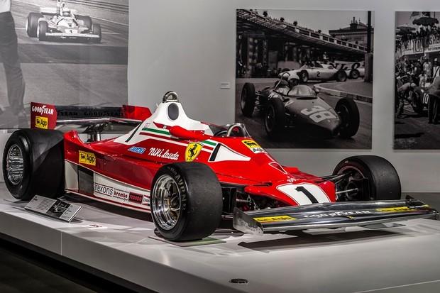 Ferrari 312 T2, dirigida por Niki Lauda em 1976 (Foto: reprodução )