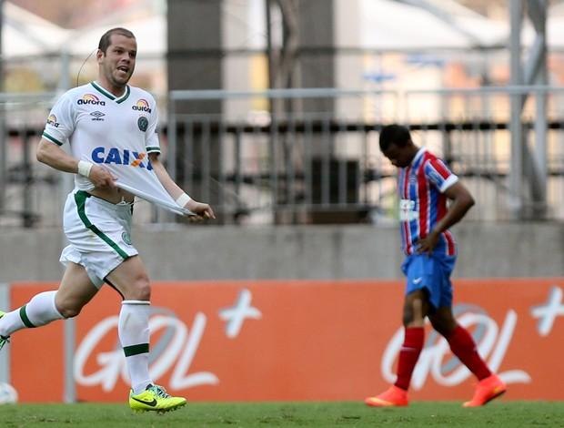 Tiago Luis gol Chapecoense x Bahia (Foto: Getty Images)