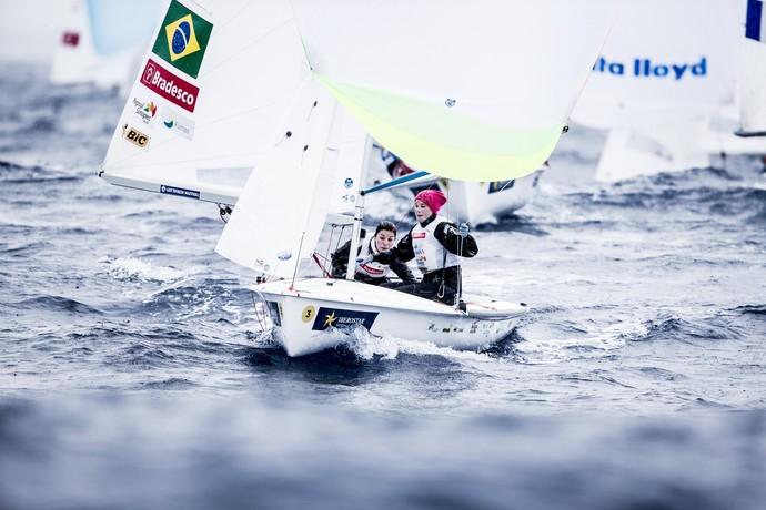 Fernanda Oliveira e Ana Barbachan vela Troféu Princesa Sofia (Foto: Pedro Martinez / Sailing Energy  )