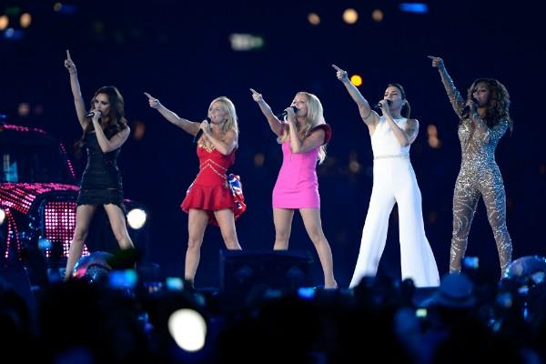 As Spice Girls durante a cerimônia de encerramento das Olimpíadas de Londres em 2012 (Foto: Getty Images)