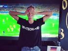 Heidi Klum comemora goleada da Alemanha sobre o Brasil