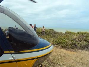 Helicóptero da PRF foi usado nas buscas por mais sobreviventes do naufrágio (Foto: Divulgação/PRF)