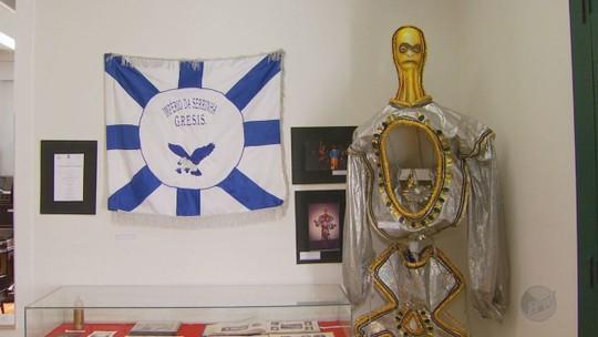 Museu de Varginha tem exposição 'No ritmo do samba e dos tamborins'