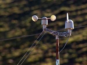 Aparelho usado para media temperatura em Maria da Fé (Foto: Reprodução EPTV)