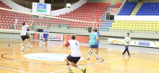 Equipe já treina com foco em campeonatos (Foto: Thiago Fidelix)