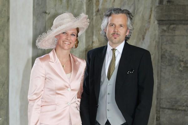 Uma foto mais recente do ex-genro do Rei da Noriega, Ari Bahn, com sua ex-esposa (Foto: Getty Images)