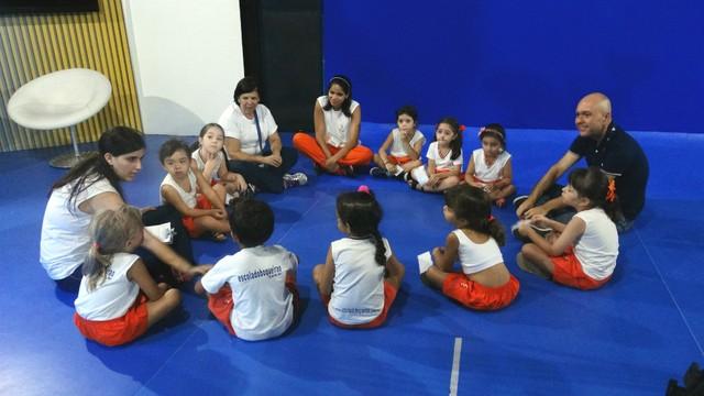 Visita das crianças a TV Tribuna (Foto: Fernanda Maciel)