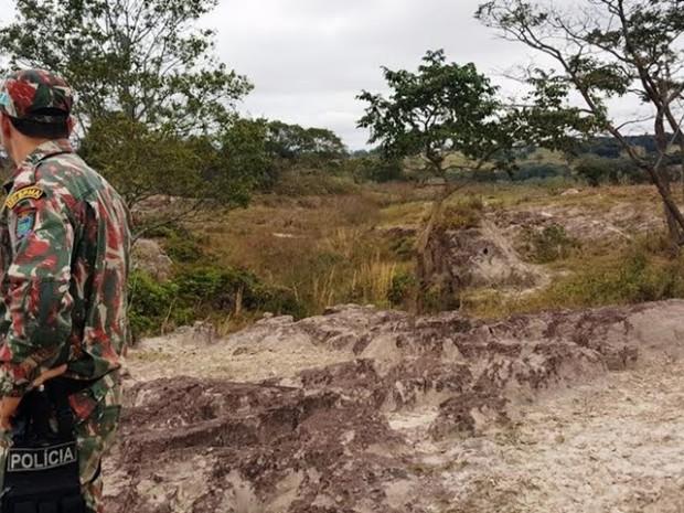 Pecuaristas foram autuados por degradação e erosões em MS (Foto: PMA-MS / Divulgação)