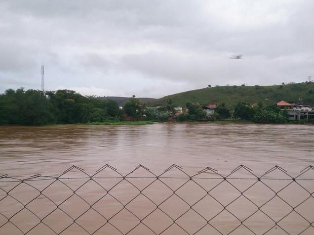 Rio Muriaé em Italva. (Foto: Hygor Ximenes/Arquivo Pessoal.)