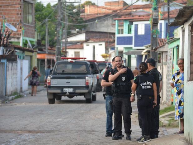 Mais de 150 policiais participaram da 'Operação 154', em João Pessoa (Foto: Walter Paparazzo/G1)
