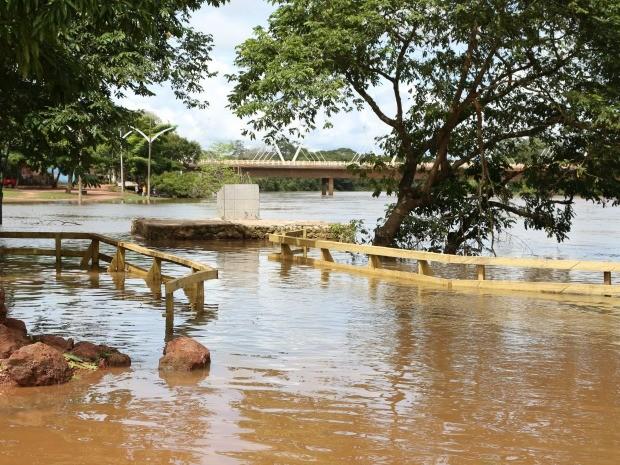 Cheia do Rio Paraguai (Foto: Marcos Parada/Assessoria da Prefeitura de Barra do Bugres-MT)