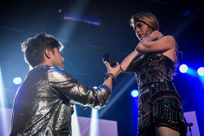 Léo pega Diana de surpresa e faz pedido de casamento (Foto: Inácio Moraes/Gshow)