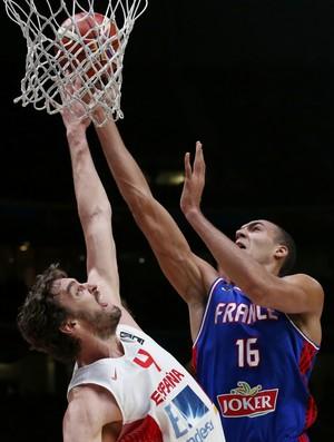 Pau Gasol e Gobert França x Espanha Europeu de basquete (Foto: Reuters)