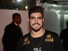 Caio Castro curte o primeiro dia do Rock in Rio sem Maria Casadevall