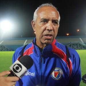 Treinador Marc Collat está preocupado com o time brasileiro (Foto: Marcos Dantas)