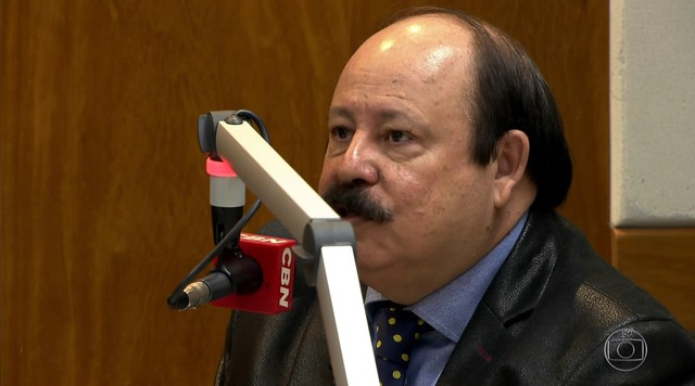 Levy Fidelix é entrevistado na Rádio CBN