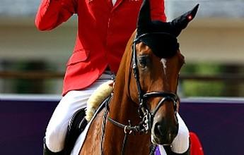 """Em busca do bi olímpico de saltos, suíço exalta cavalo: """"Já é uma lenda"""""""