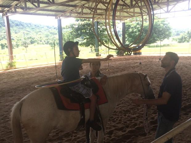 Vila São Cottolengo tem equoterapia para pessoas com deficiência em Trindade, Goiás (Foto: Vitor Santana/G1)