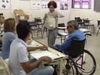 Após problemas no 1º turno, cadeirante vota sem transtornos (Reprodução/TV Anhanguera)