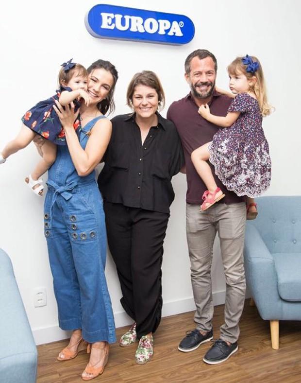Kyra Gracie e Malvino Salvador com as filhas, Ayra e Kyara, e presidente do Grupo Europa, Manuella Curti (Foto: Pascale_photo)