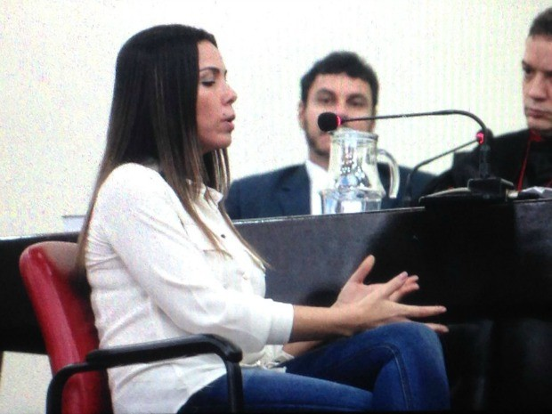 Marcelaine depõe (Foto: Jamile Alves/G1 AM)
