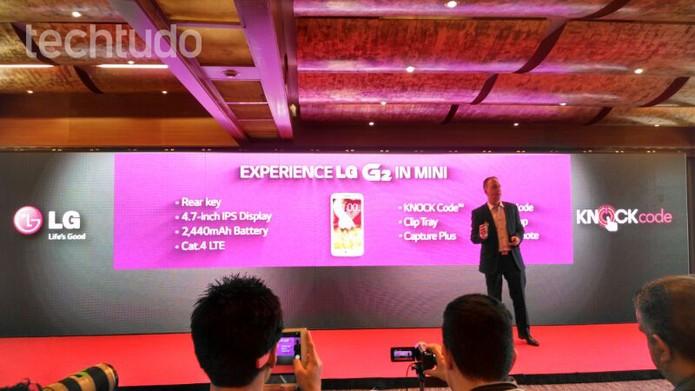 Novo LG G2 Mini: praticamente um G Pro 2 reduzido (Foto: Allan Melo / TechTudo)