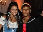 Com Bruna Marquezine, Neymar vai vestido de Quico a festa
