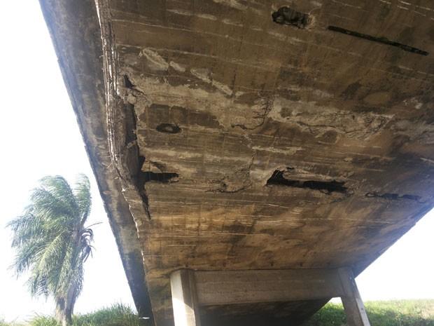Viaduto em rodovia da Paraíba tem problemas (Foto: Odilon do Egito/Arquivo Pessoal )