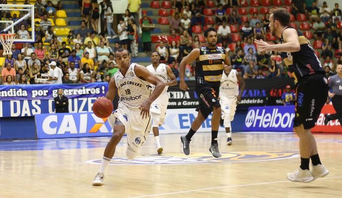 Mogi das Cruzes x Campo Mourão NBB basquete (Foto: Antonio Penedo/Mogi-Helbor)