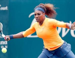 Serena Williams tênis contra Mallory Burdette (Foto: AP)
