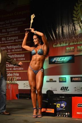 Carla Prata em competição de fisiculturismo no Rio (Foto: Rodrigo Mesquita/ Divulgação)