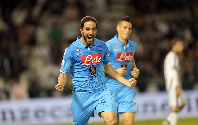 Higuain  gol Napoli x Juventus (Foto: AFP)