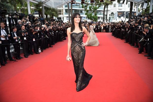 Isabelli Fontana no Festival de Cannes (Foto: AFP)