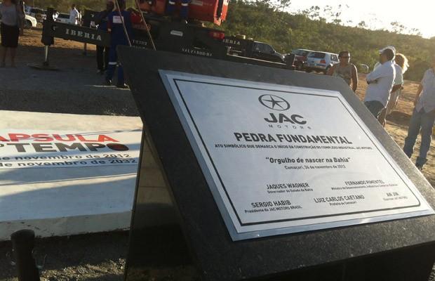 Jac inaugura pedra fundamental em Camaçari, BA (Foto: Priscila Dal Poggetto / G1)
