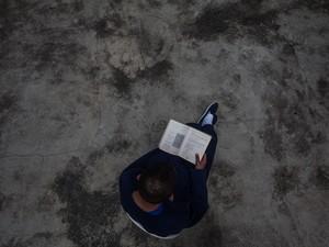 Interno estuda em pátio da Fundação Casa (Foto: Victor Moriyama/G1)