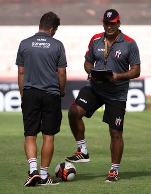 Moacir Júnior técnico Botafogo-SP (Foto: Rogério Moroti / Agência Botafogo)