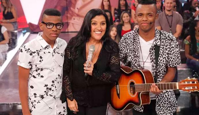 Augusto e Ariel cantaram música de Cristiano Araújo no Esquenta (Foto: Divulgação)