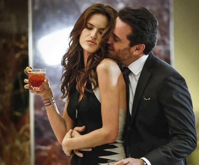 Samia e Alex viveram um romance no início de Verdades Secretas (Foto: Raphael Dias/ Gshow)