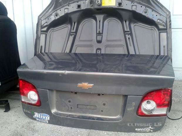 Carro encontrado em desmache foi roubado há dois dias em Natal (Foto: Divulgação/Polícia Civil do RN)