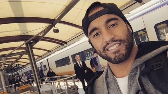 Lucas vai de trem para Londres (Foto: Reprodução)